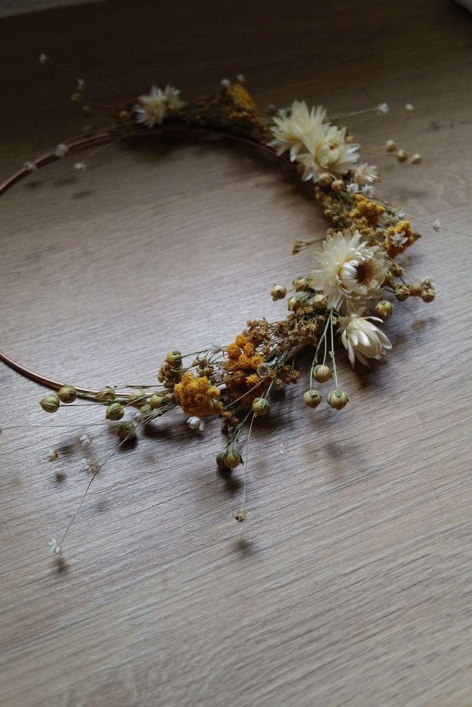 couronne fleurs sechees