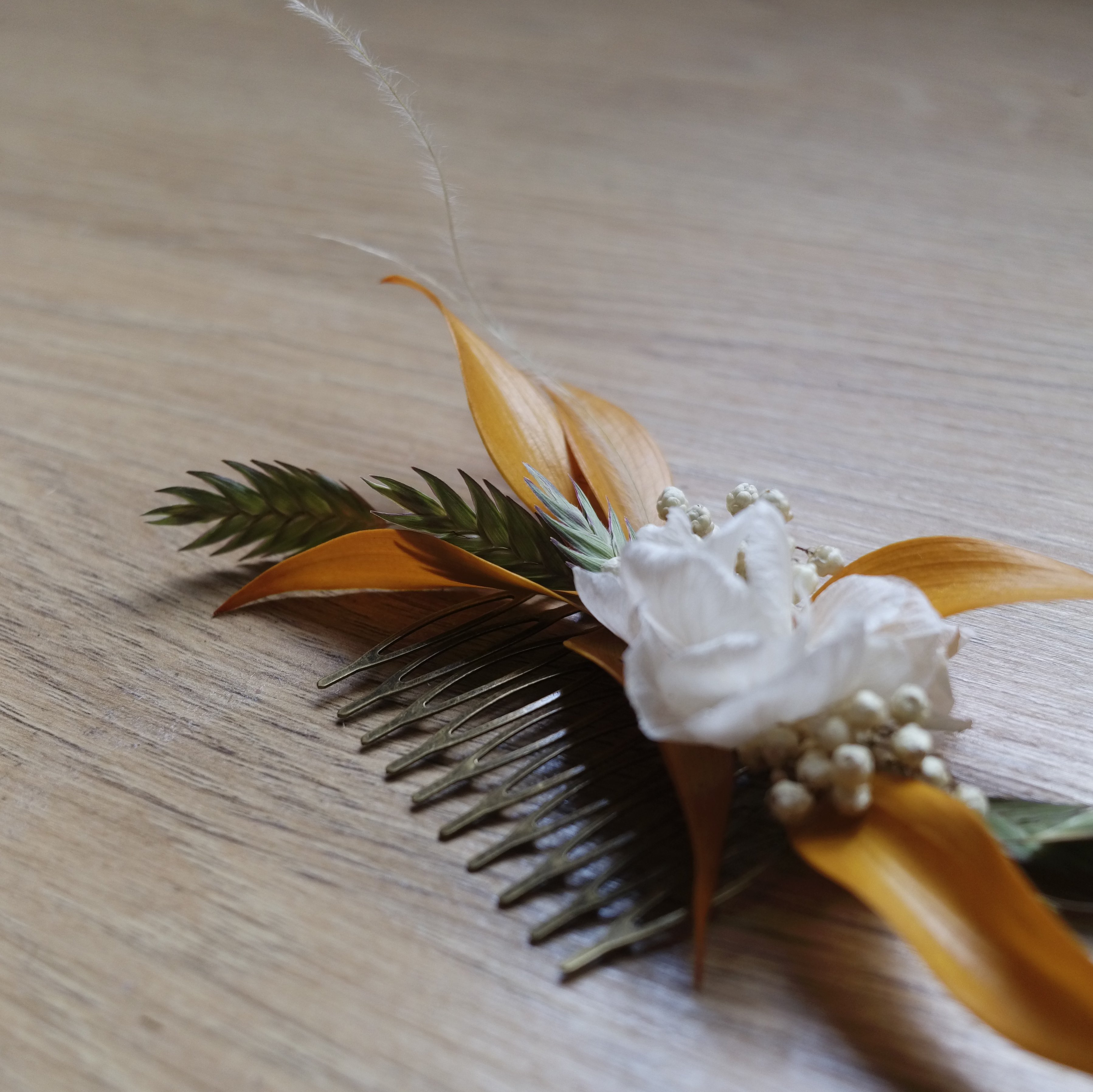 peigne fleuri fleurs sechees