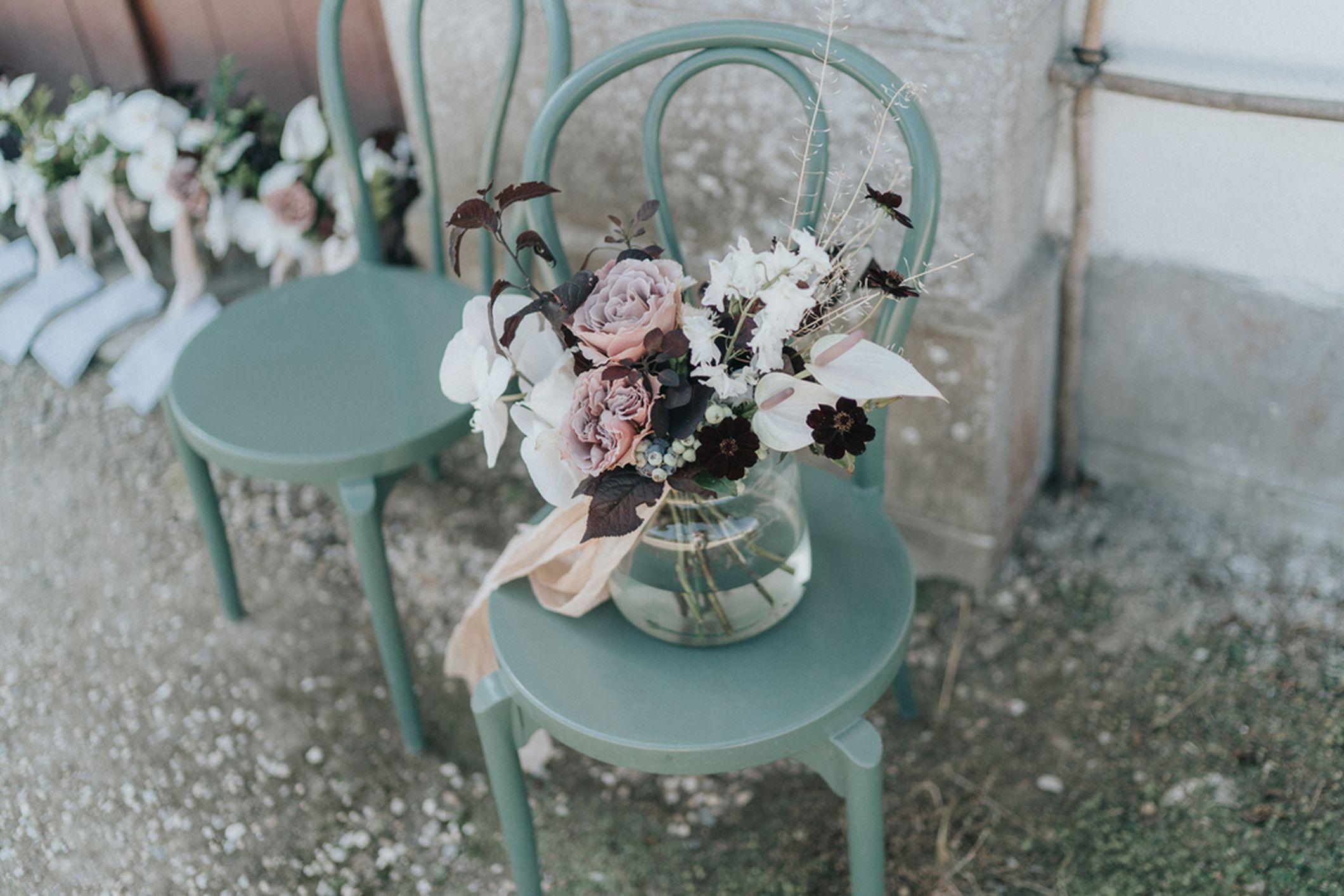 bouquet mariee naturel sauvage poétique rose orchidée cosmos chocolat ruban soie