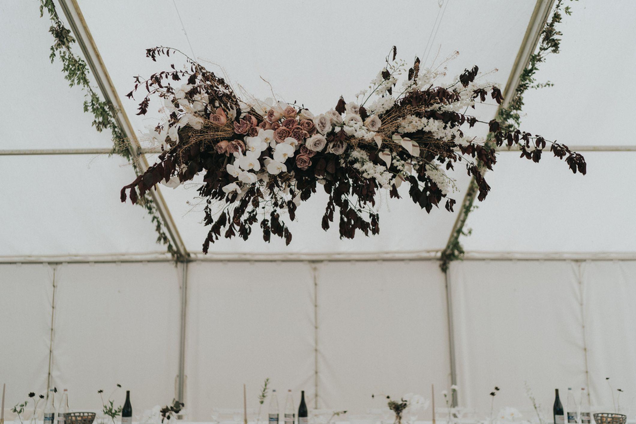 mariage decoration suspension nuage fleuri