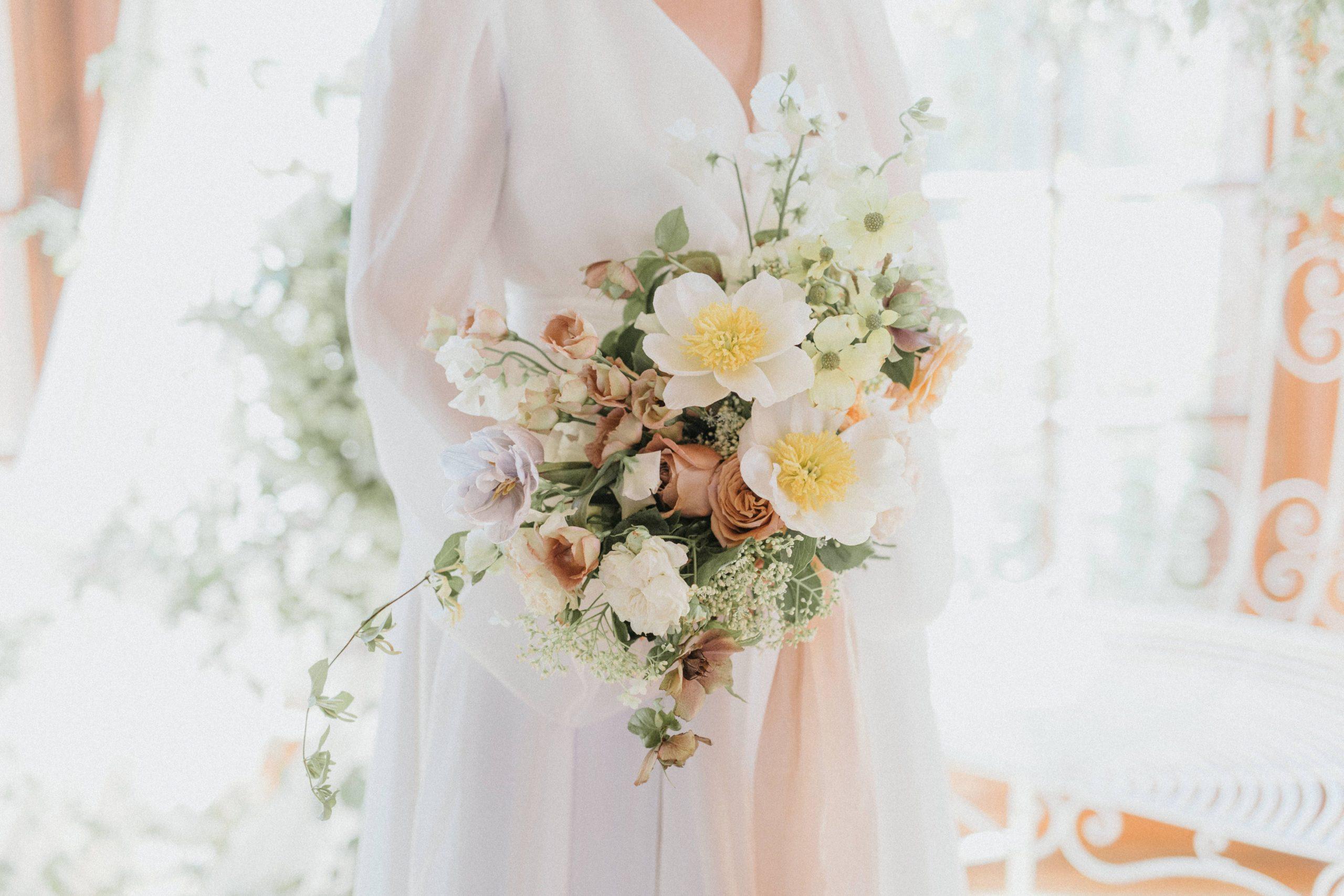 mariage romantique lumineux bouquet de mariee